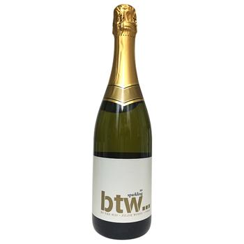 BTWスパークリングワイン / ジルジーワイナリー(NV BTW SPARKLING WINE) (750ml)